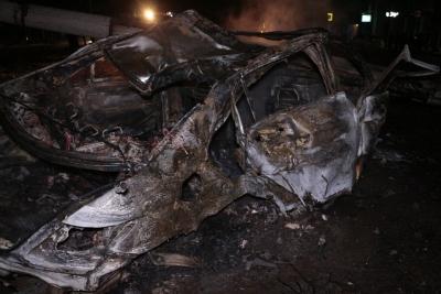 Ночная погоня вДнепре: наЯворницкого Мерседес снёс столб исгорел дотла
